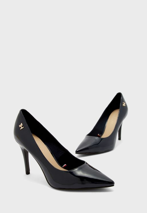 حذاء بعب عالي