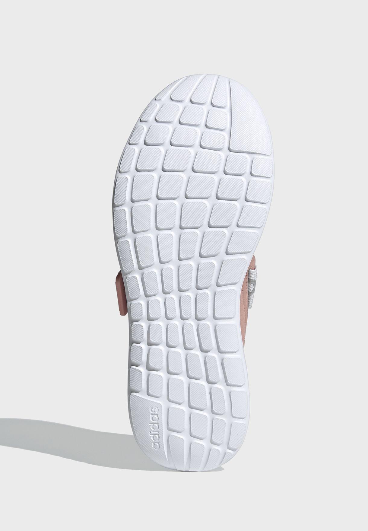 حذاء كوا ادابت اكس
