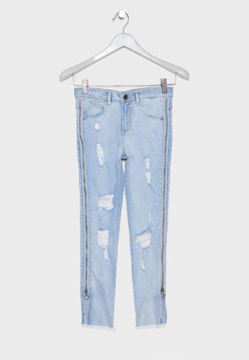 بنطال جينز بنمط ممزق
