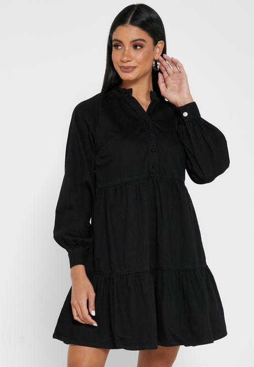 فستان جينز بياقة مدبةب