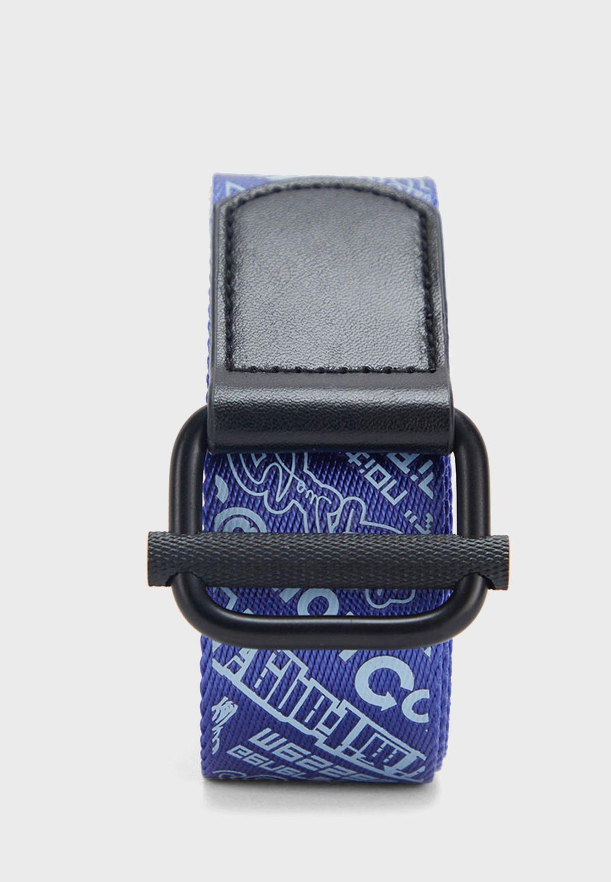 حزام مزين بطبعات كتابة