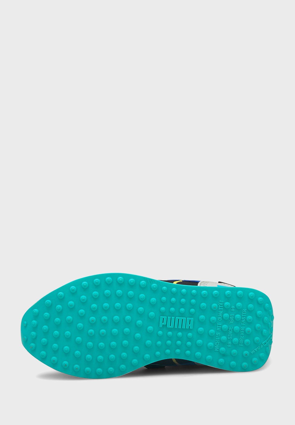 حذاء فيوتشر رايدر توفولد