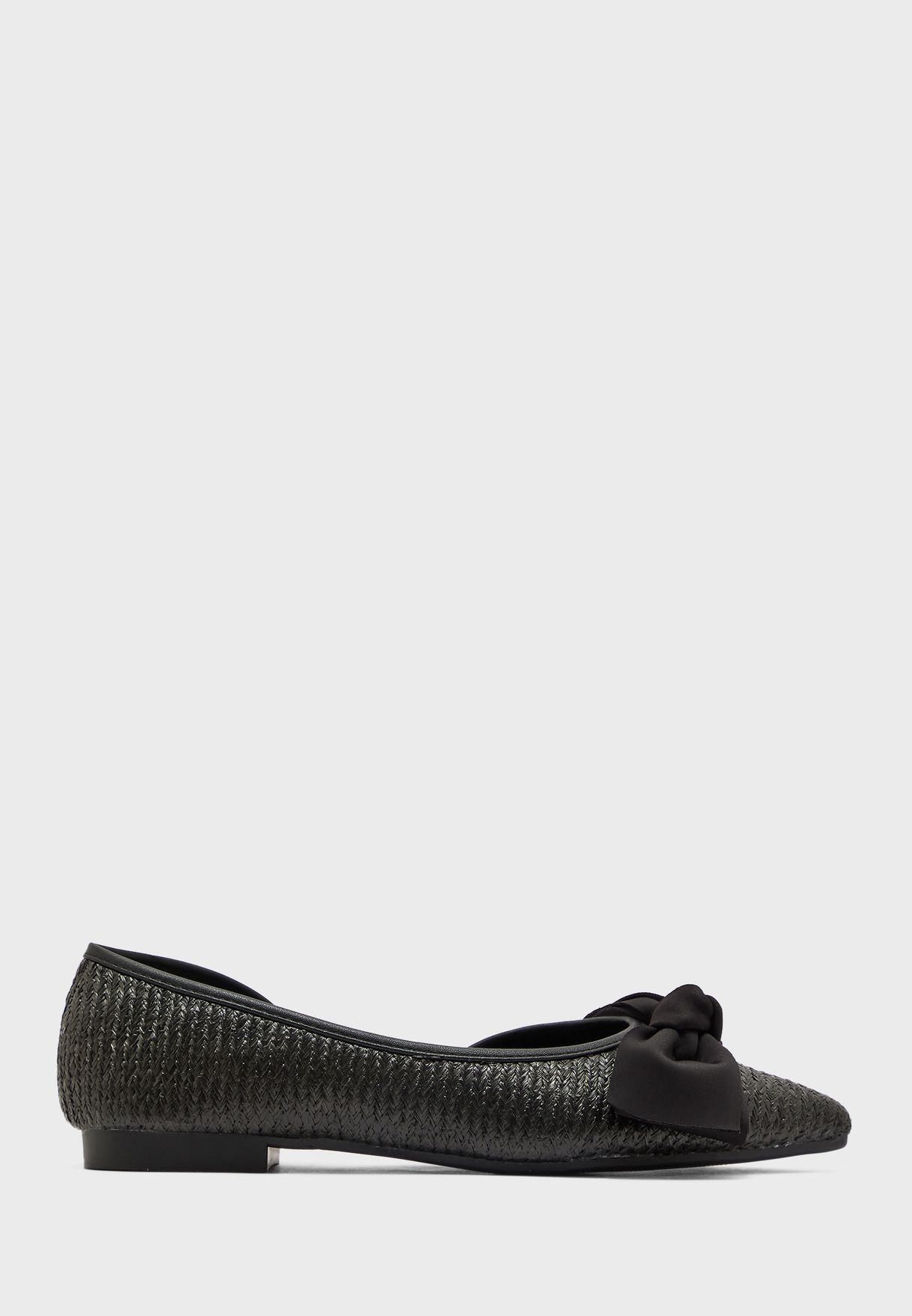 Woven Pointed Shoe With Bow