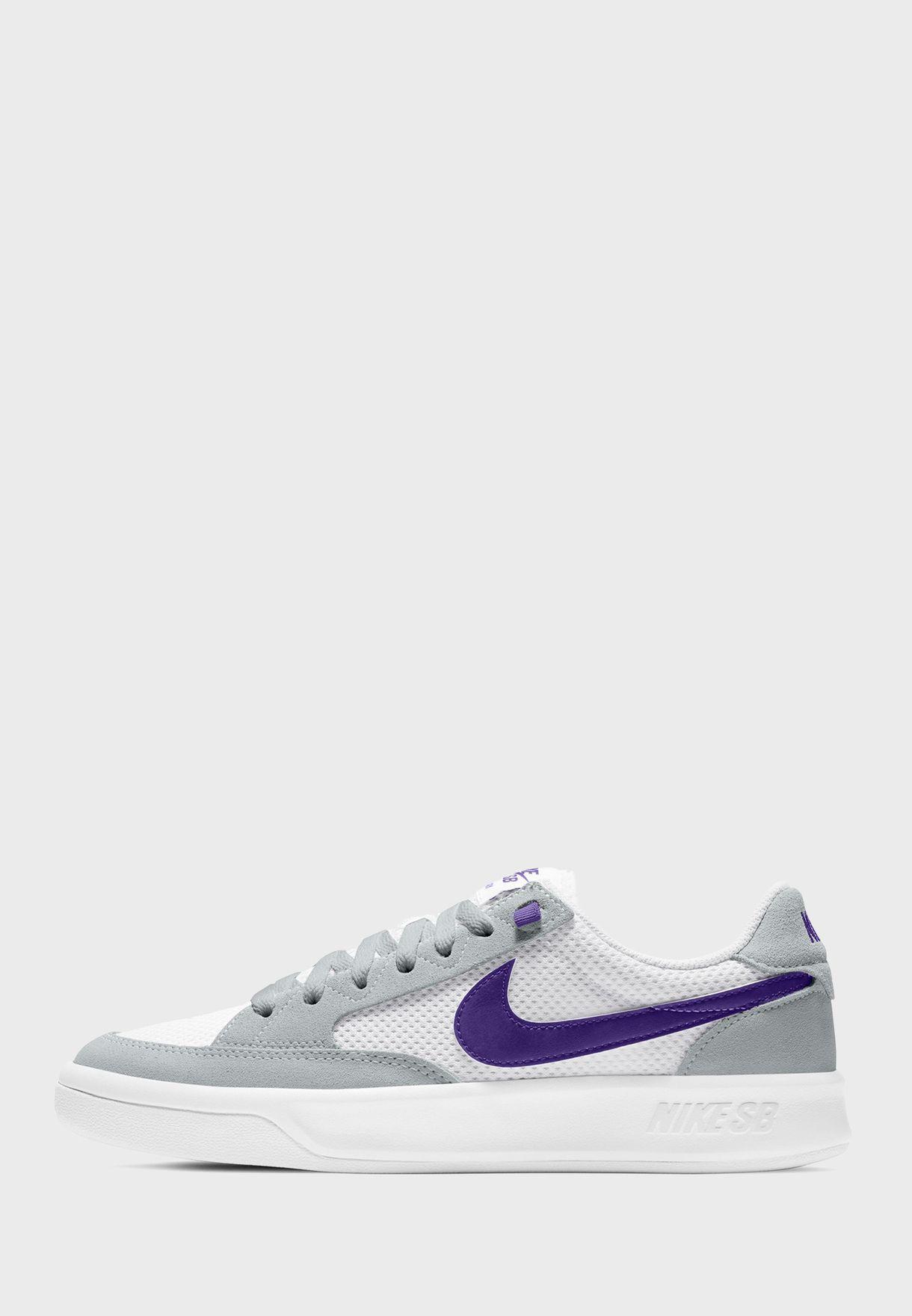 حذاء اس بي ادفيرساري