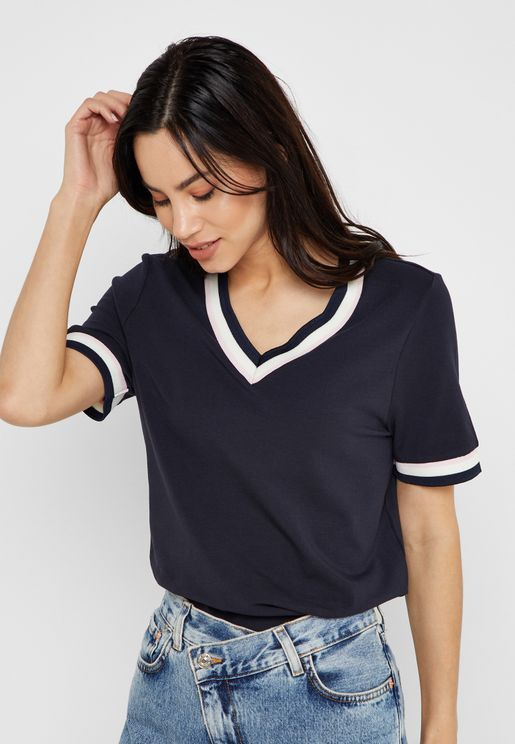 Contrasting Trim V-neck T-shirt
