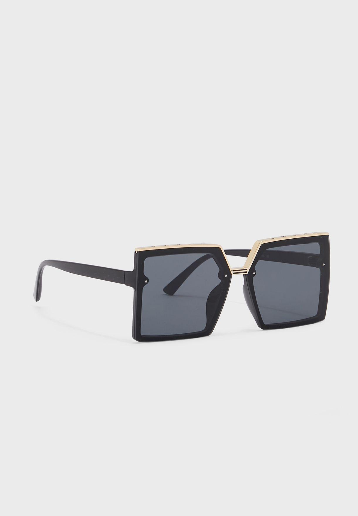 نظارة شمسية مربعة كبيرة