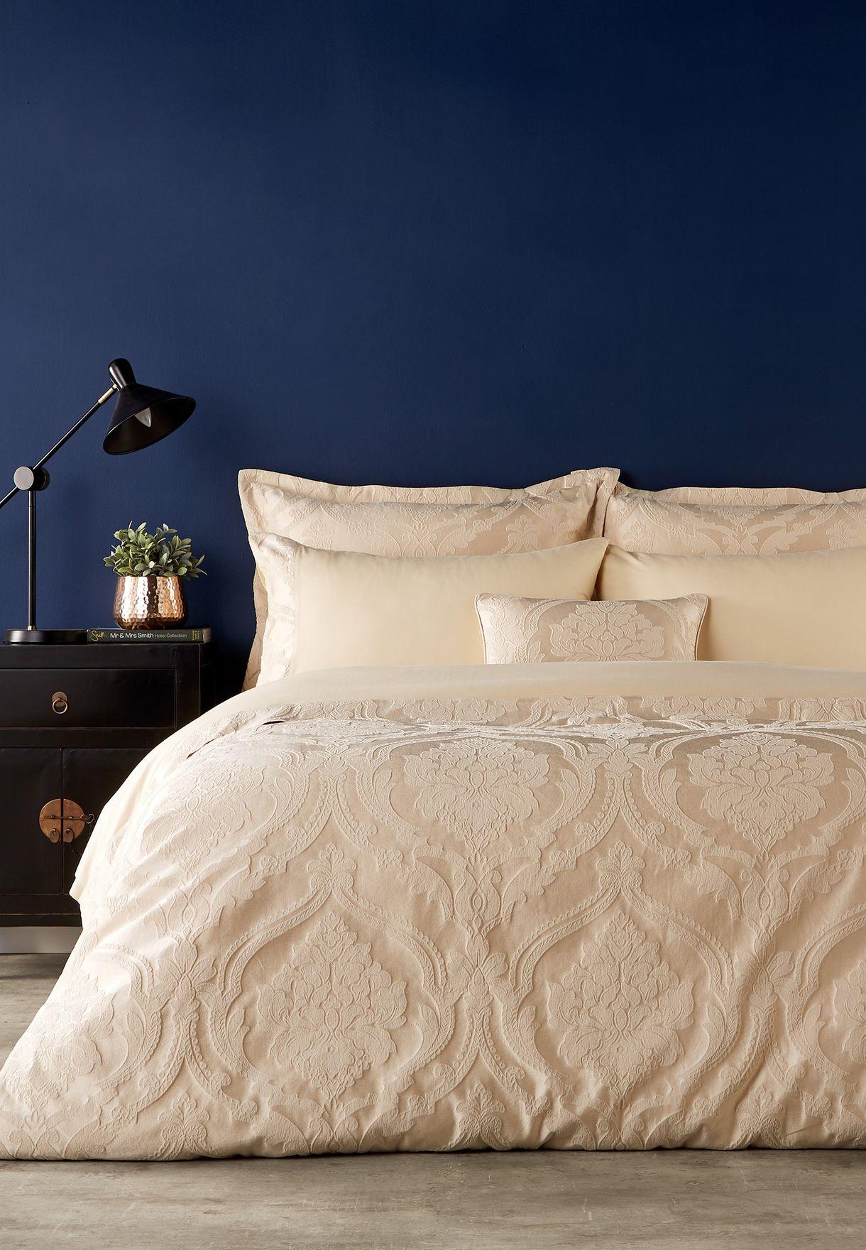 غطاء سرير بالجاكار الدمشقي