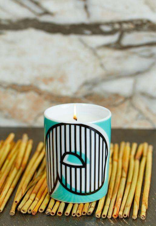 شمعة عطرية مزين بحرف (م) - 60 جم