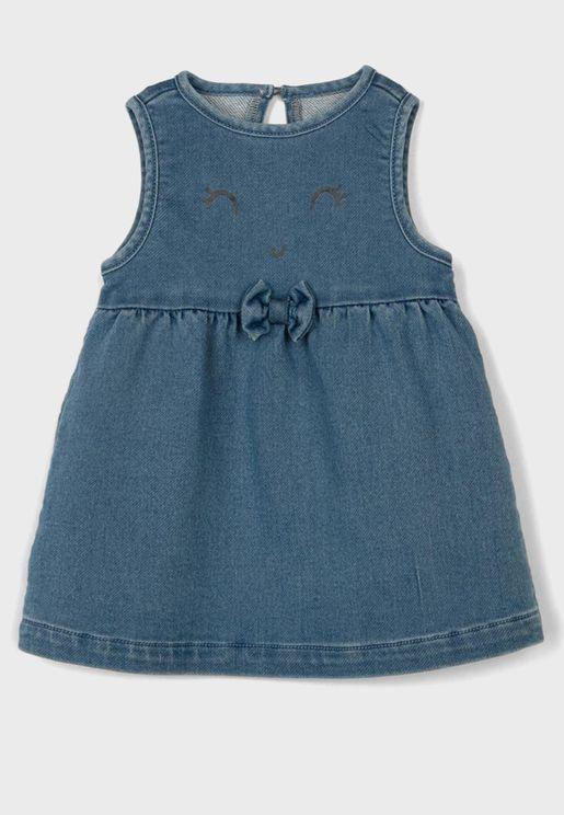 فستان جينز بطباعة غرافيك للبيبي