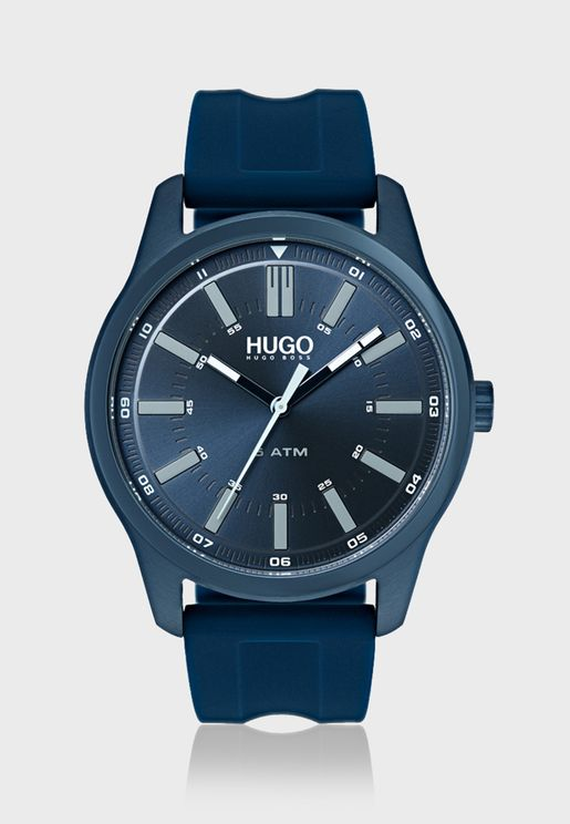 1530077 Analog Watch
