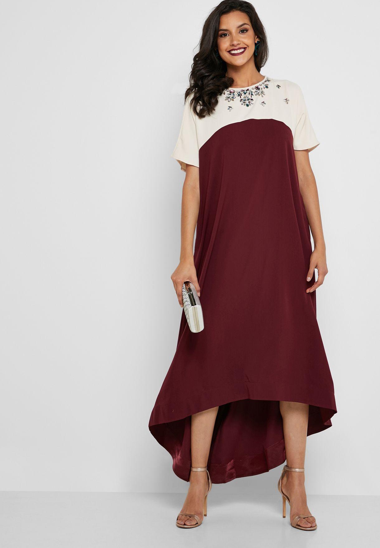فستان مزين باحجار لامعة