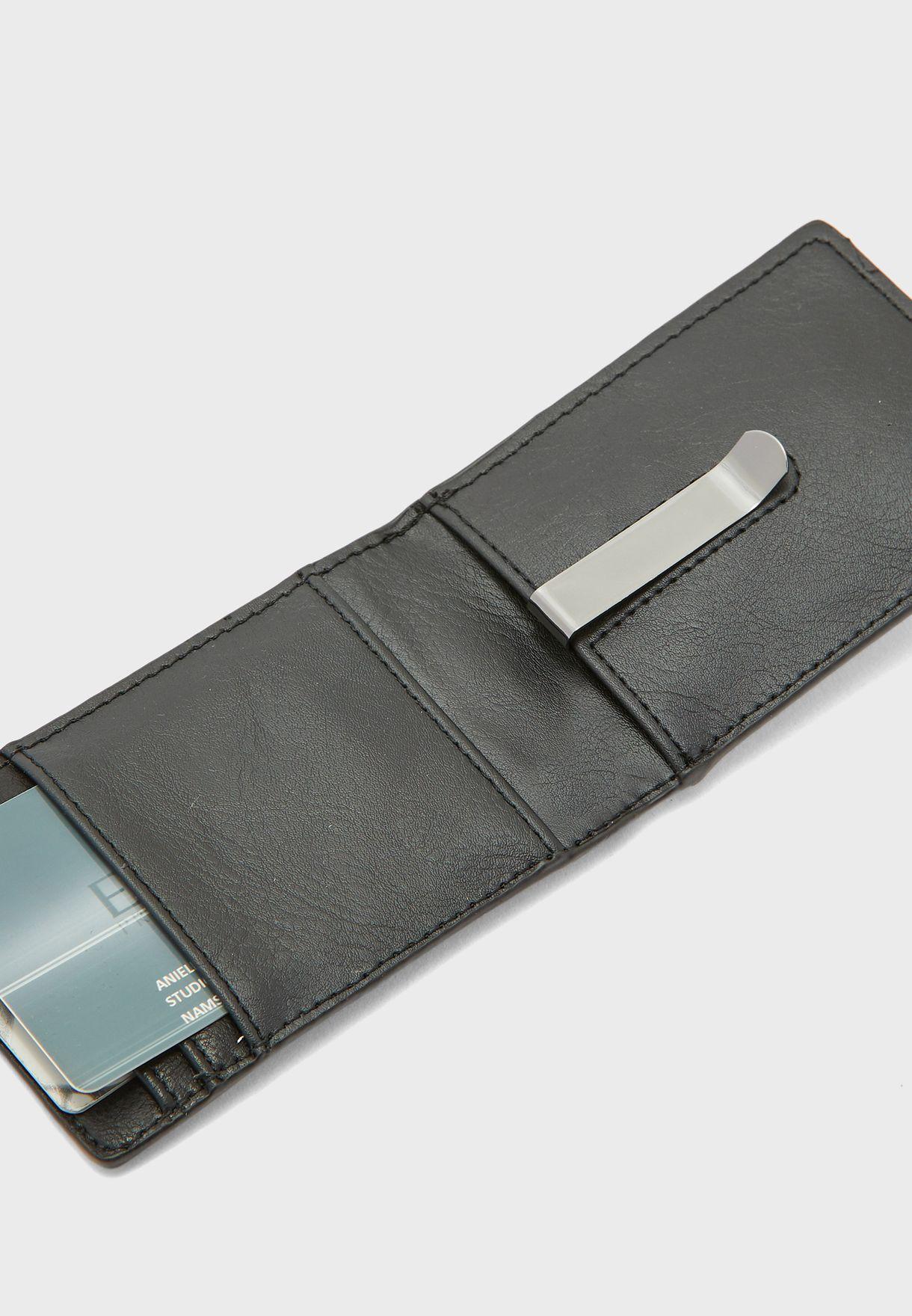 محفظة انيقة بفتحات متعددة