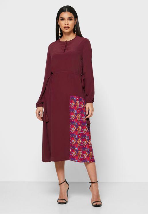 فستان بطباعة غرافيك