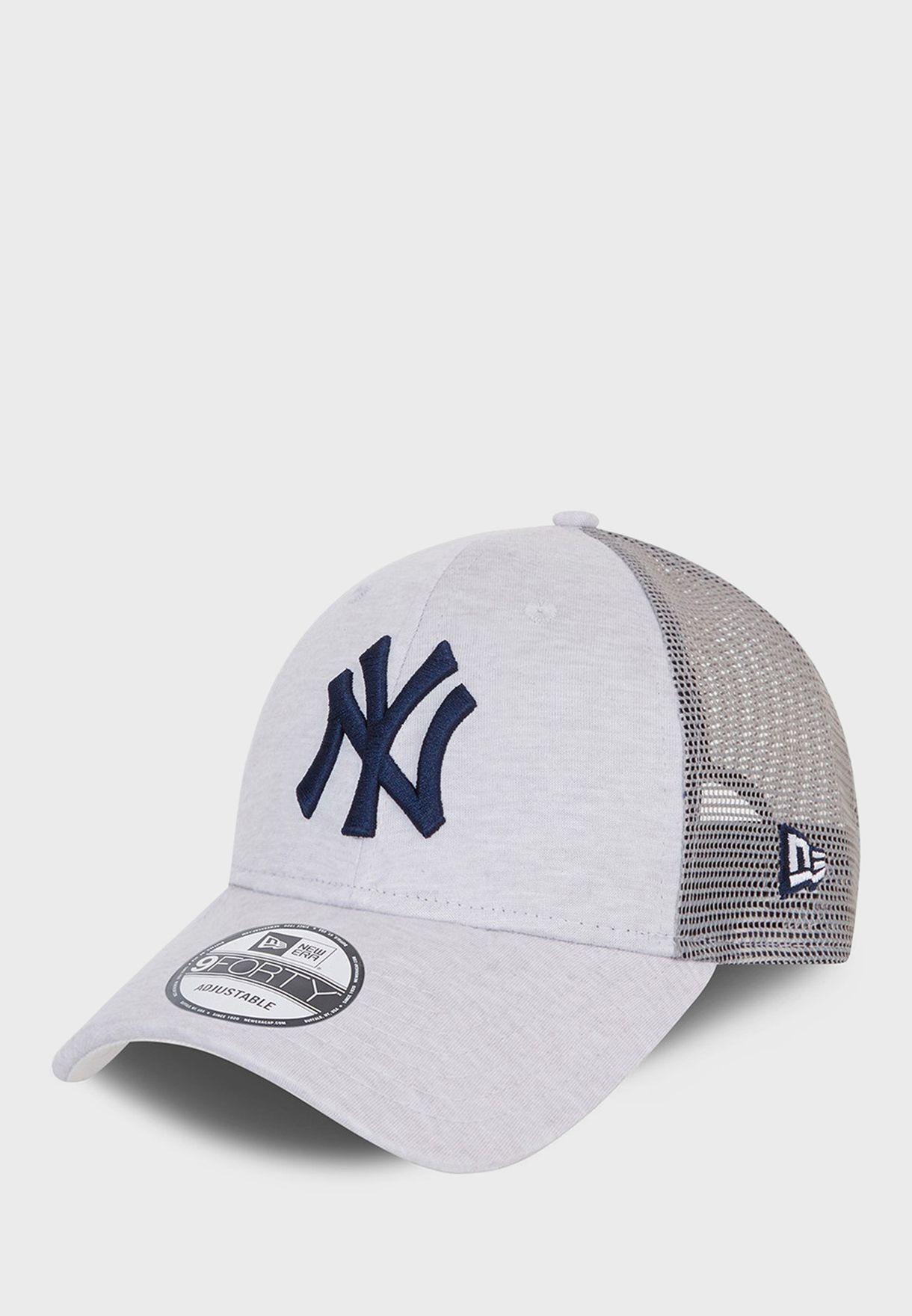 9Forty New York Yankees Home Field Trucker Cap