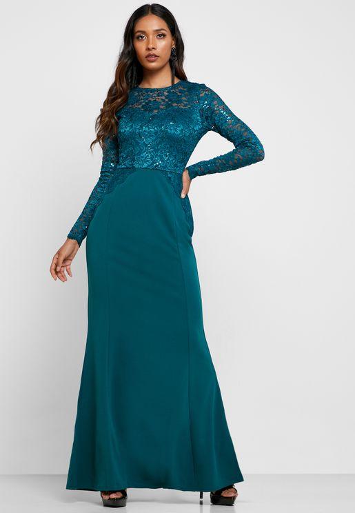 فستان بأجزاء دانتيل مزين بالترتر
