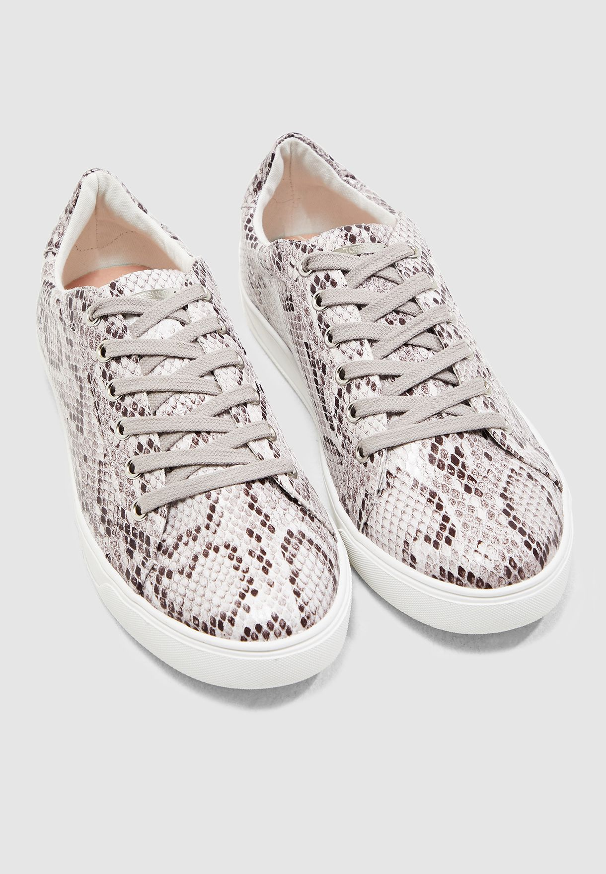 Cola Lace Up Sneaker