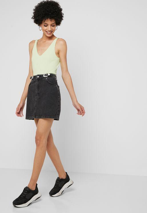 تنورة ميني جينز بإبزيم