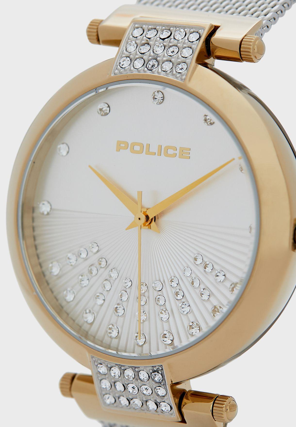 ساعة بحركة عقارب ثلاثية
