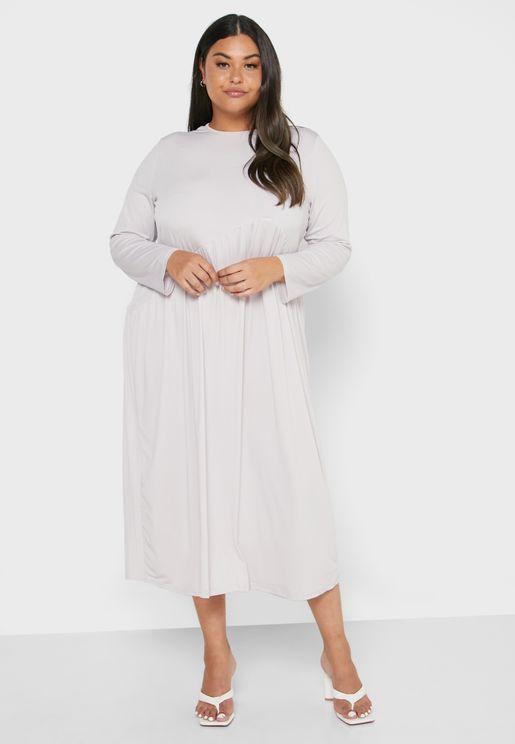 فستان بتصميم غير متماثل