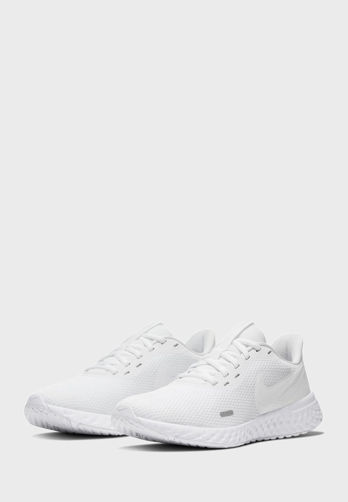 حذاء نايك ريفولوشن 5