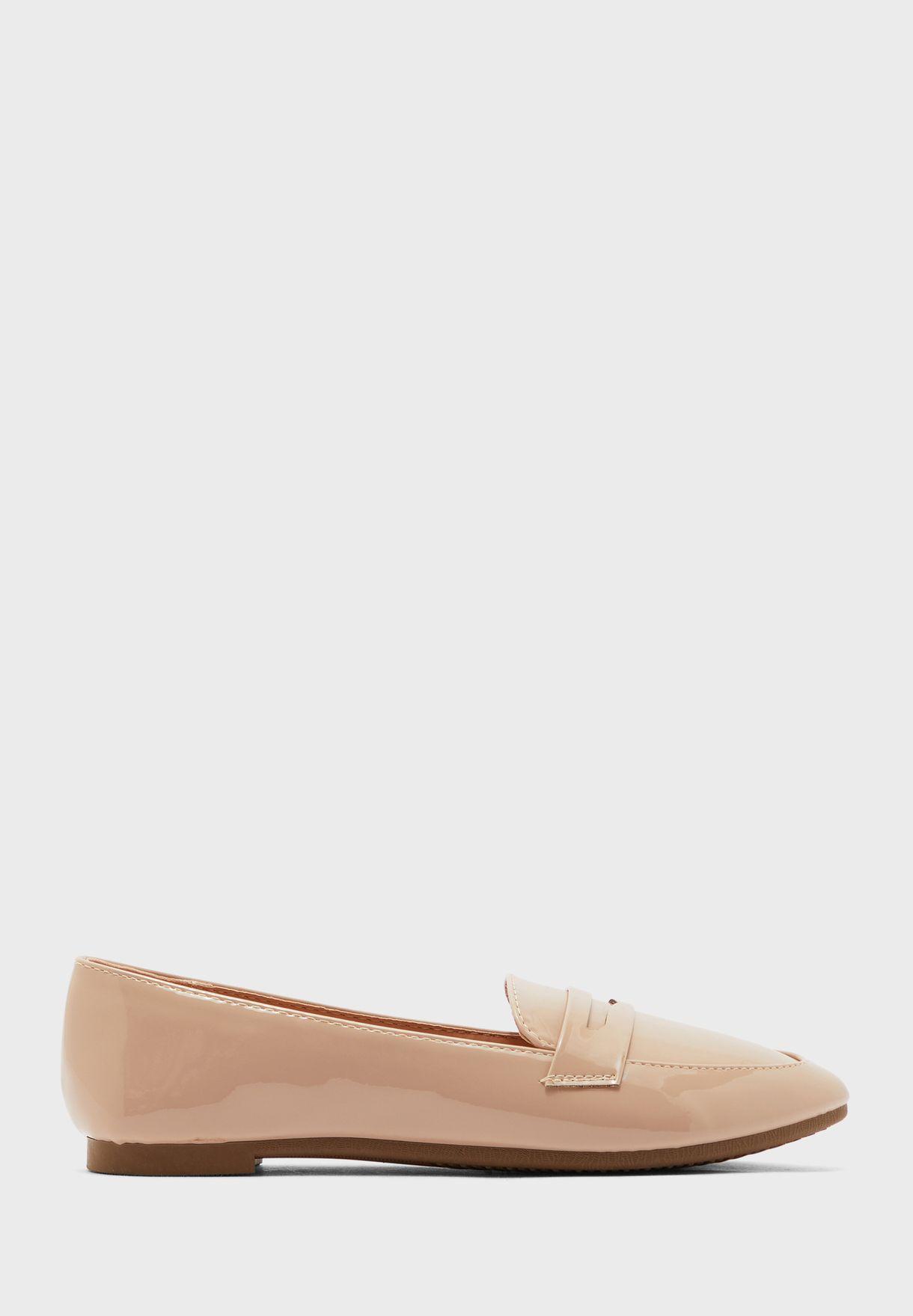 حذاء لوفر لامع