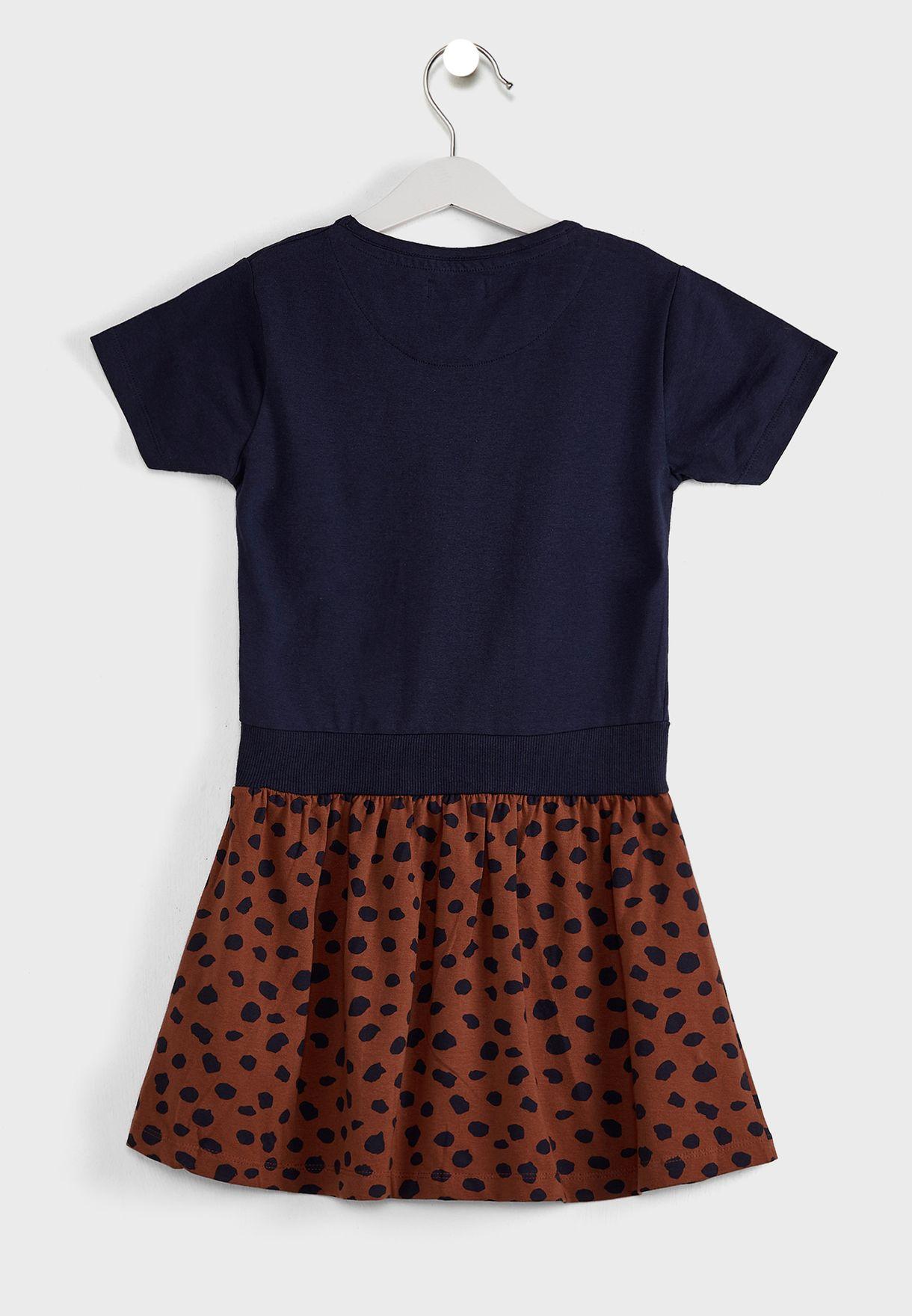 فستان بطبعة نمر