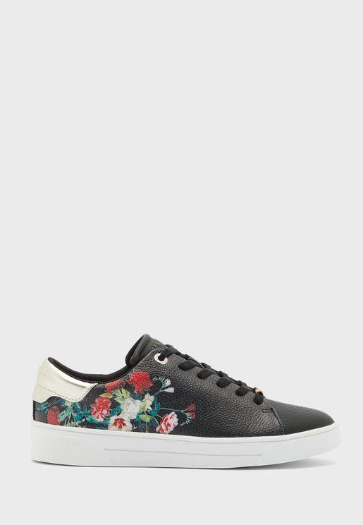 حذاء سنيكرز بطبعات ازهار