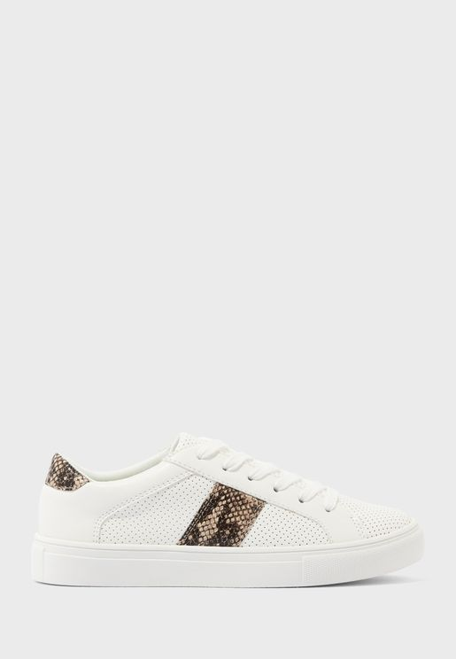 August Low Top Sneaker
