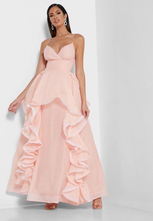 فستان بحمالات اكتاف رفيعة