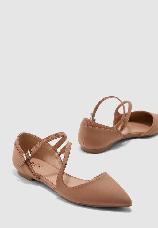 حذاء فلات بسير كاحل