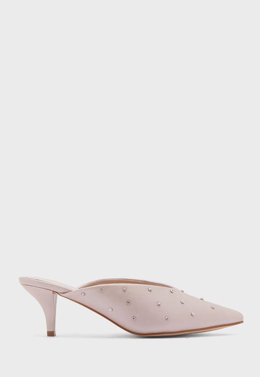 حذاء بكعب عالي واصابع مدببة