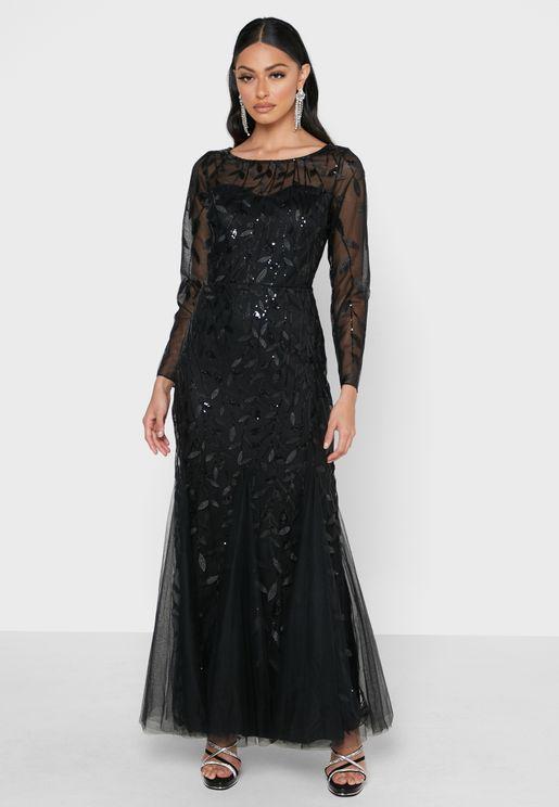 فستان تول مزين بتطريزات