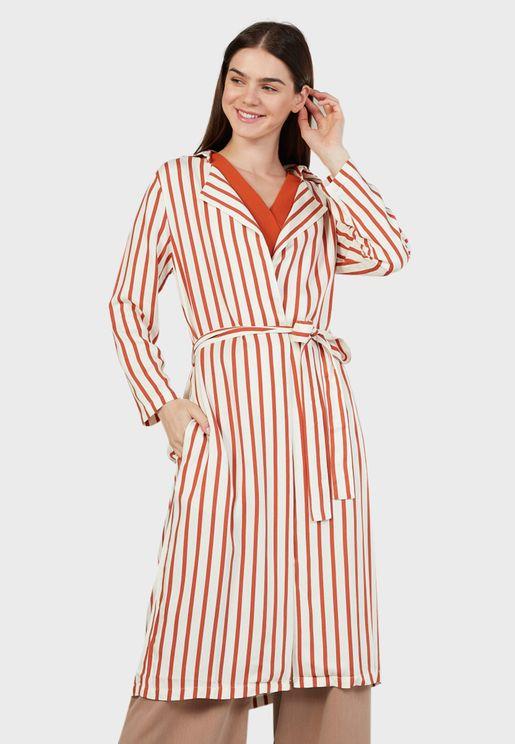 فستان مخطط بنمط لف