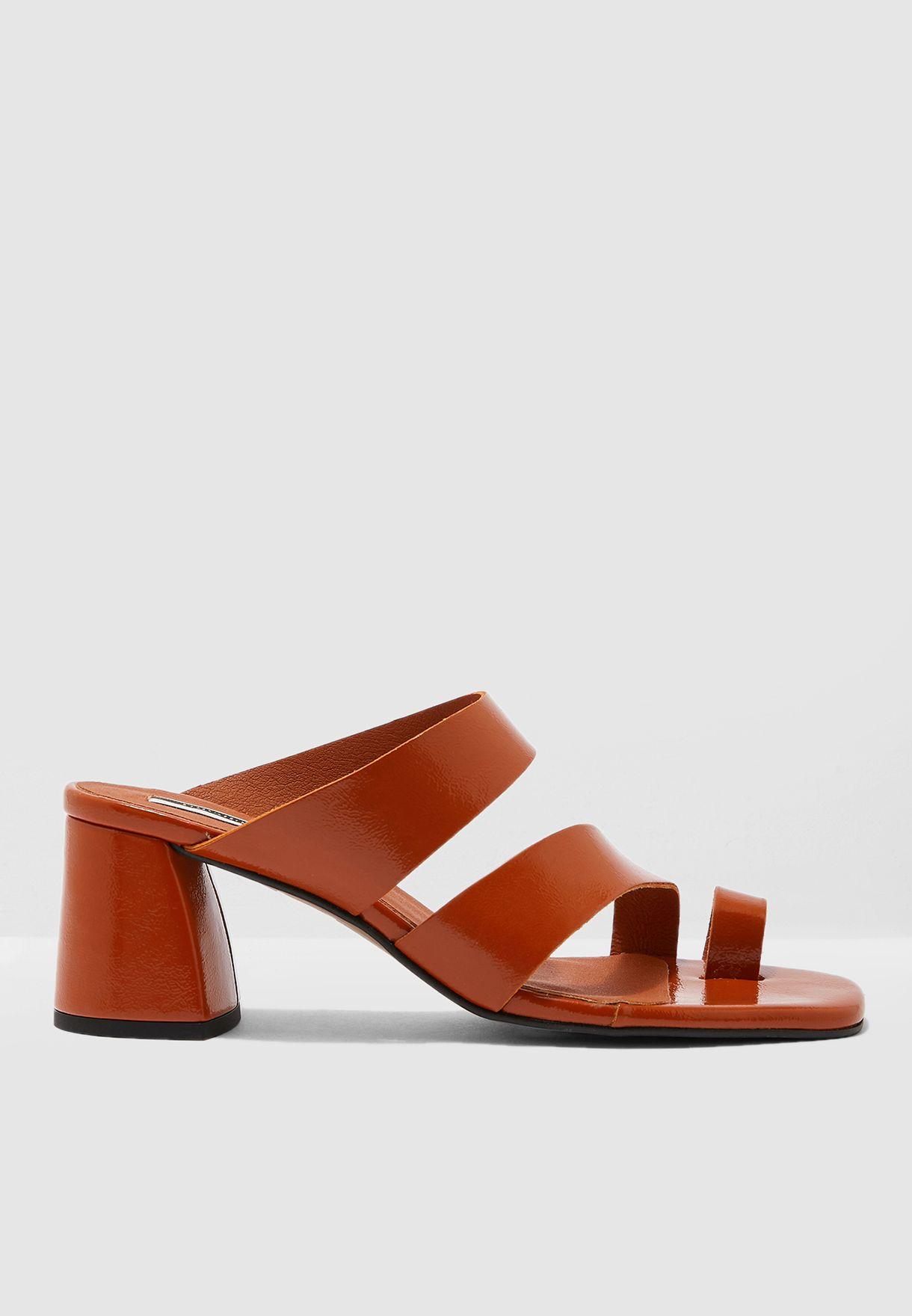 Reya Vegan High Toe Loop Heel Sandal - Brown