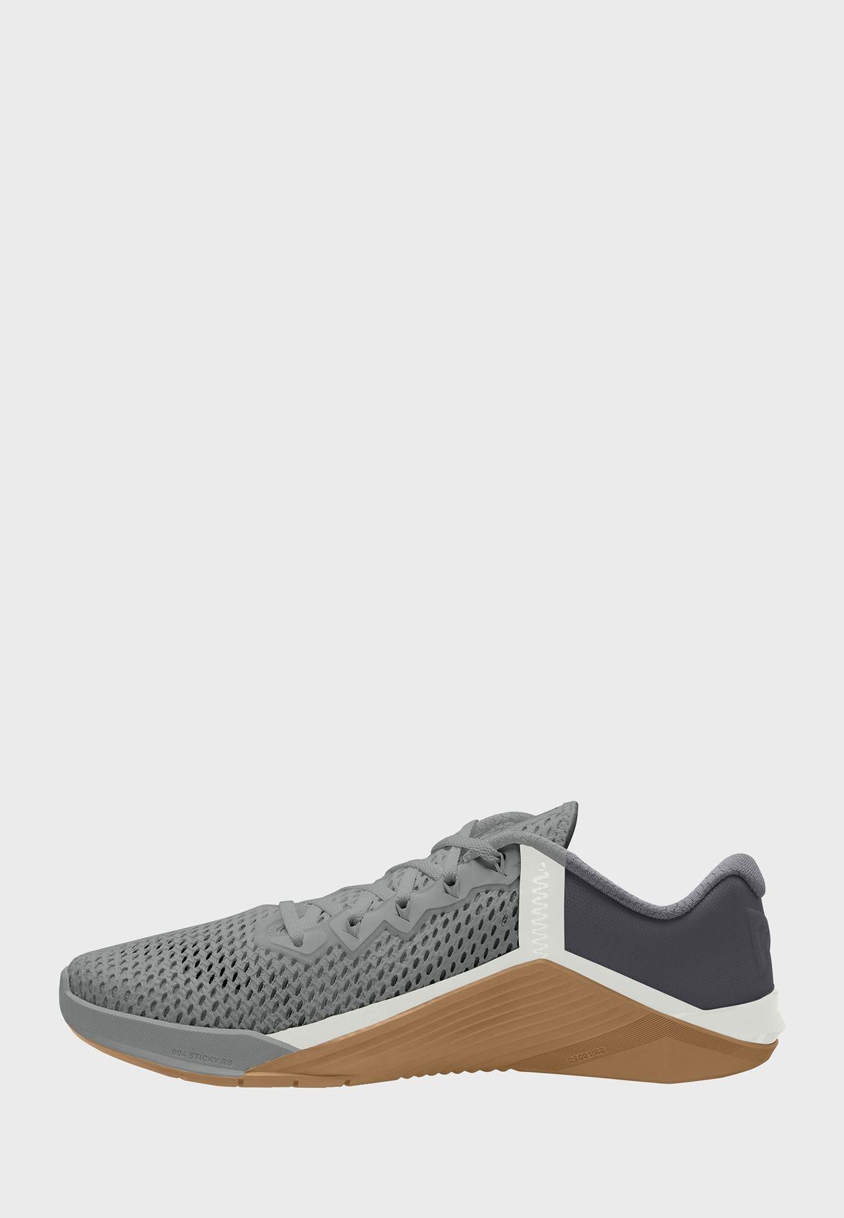 حذاء ميتكون6