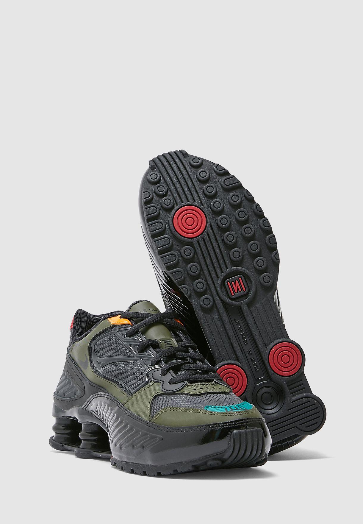 حذاء شوكس انيجما