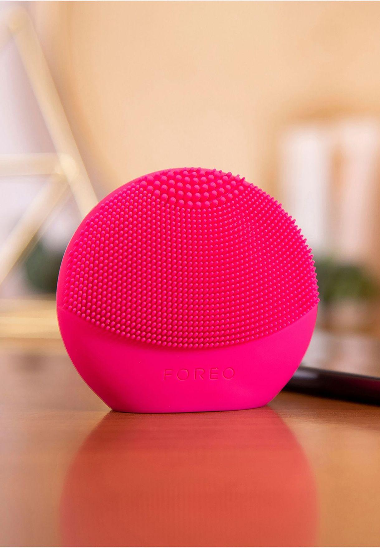 فرشاة لونا فوفو لتنظيف الوجه - فوشيا