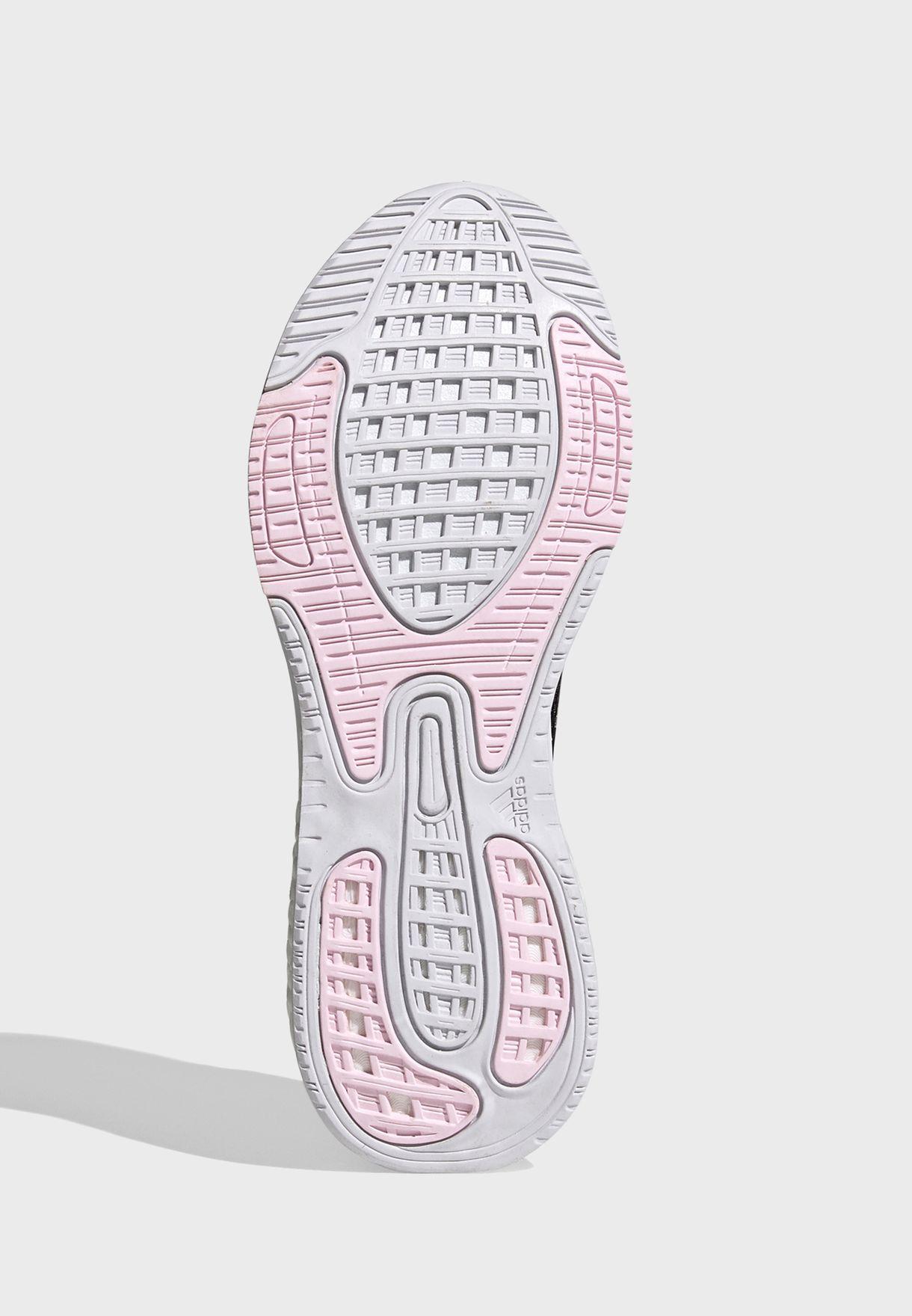 حذاء سوبر نوفا +