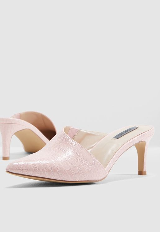Asym Heel Court Shoe