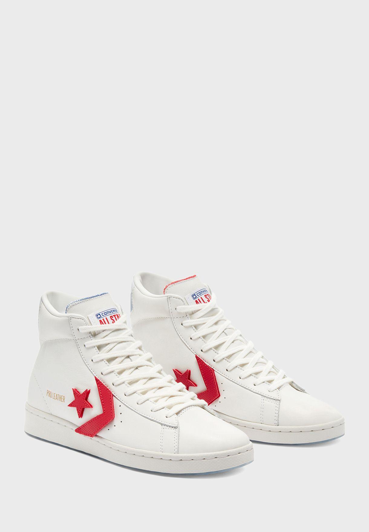 حذاء رياضي بكاحل مرتفع