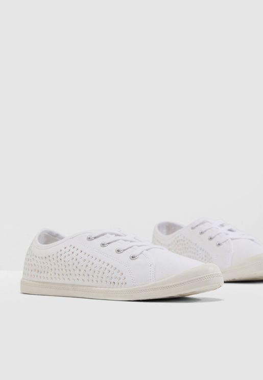 609b9e7360f Bailey Sneaker - White Fabr. Steve Madden