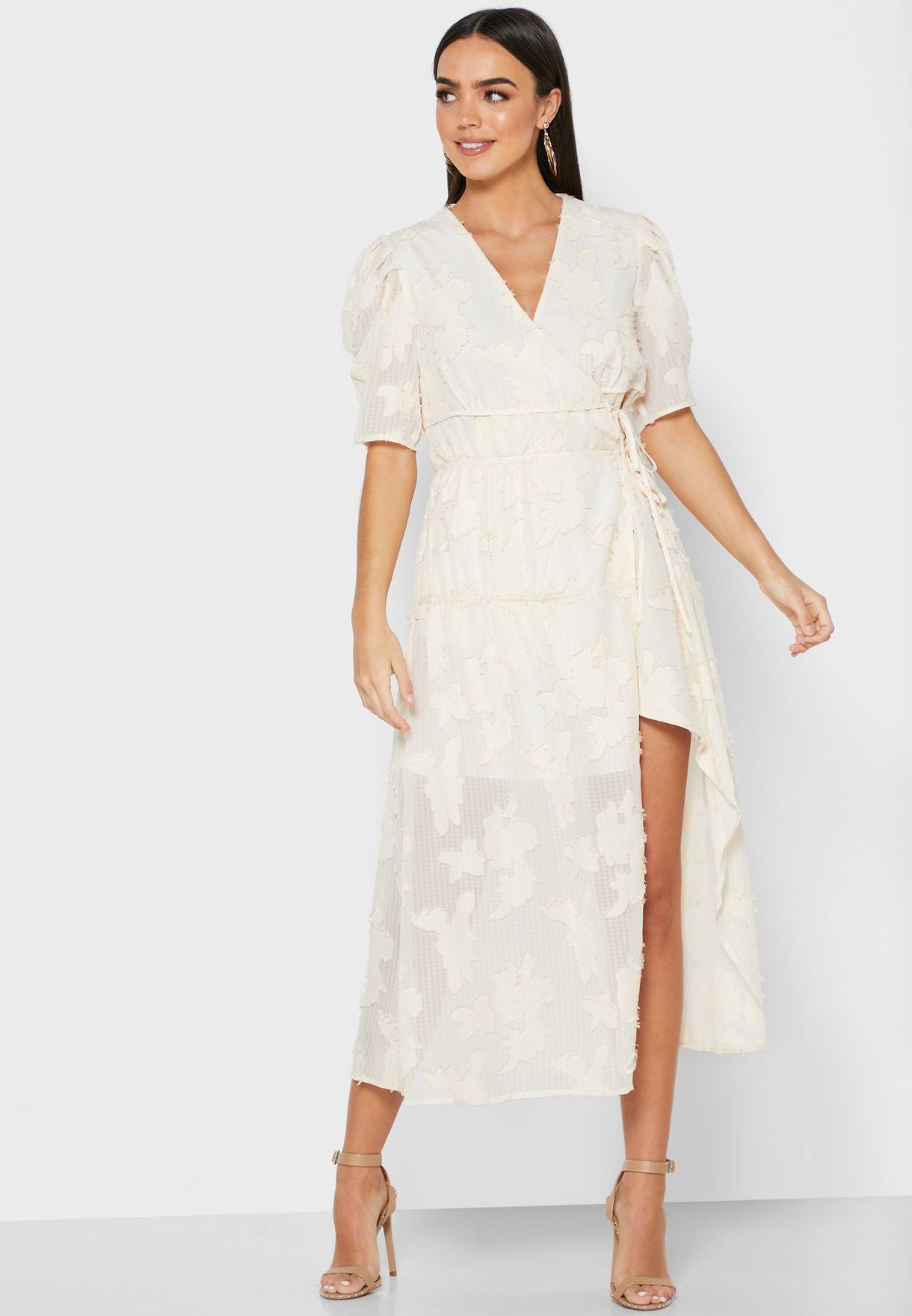 فستان باربطة واطراف غير متماثلة الطول
