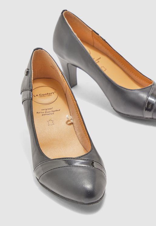 حذاء بكعب سميك
