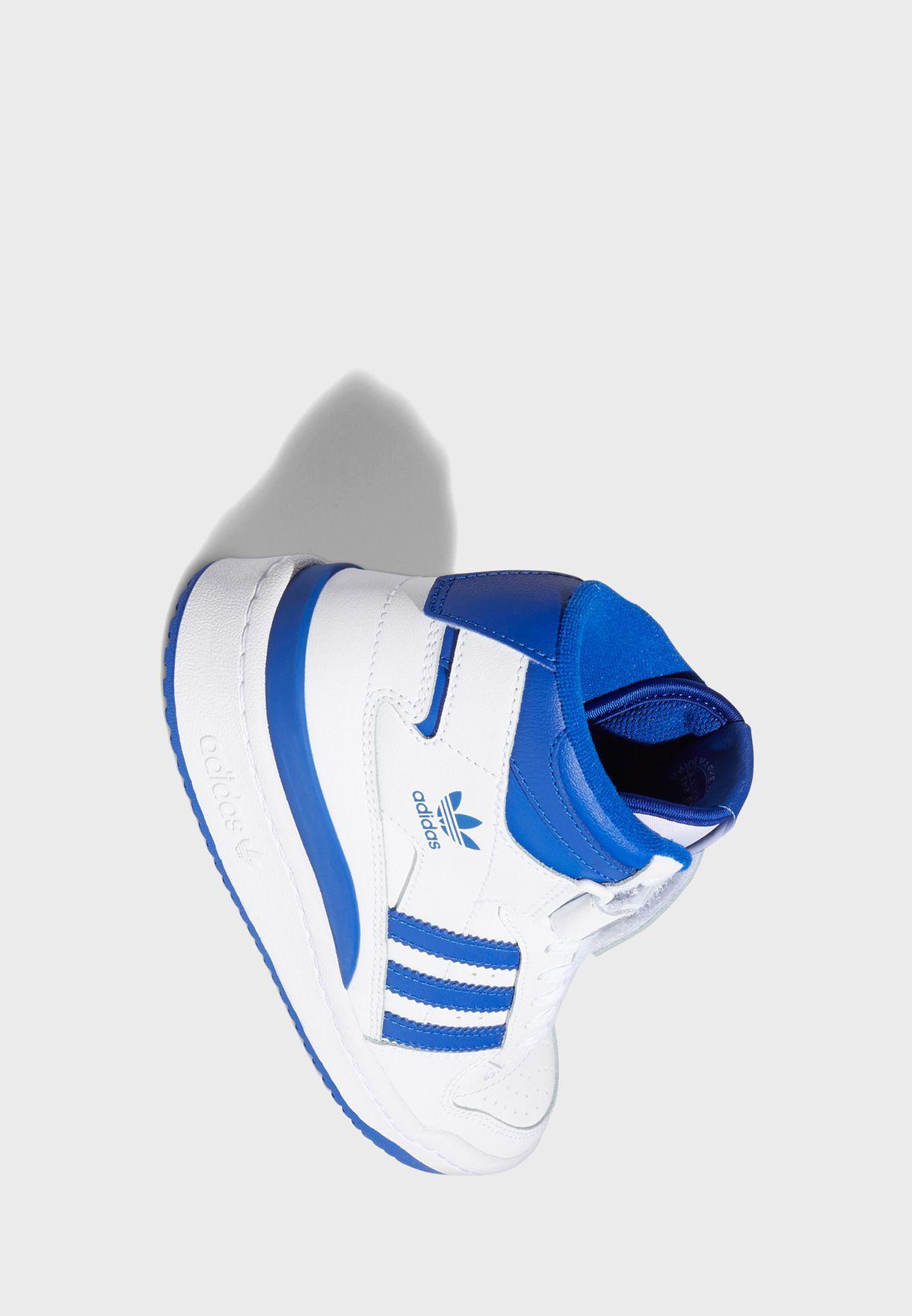 حذاء رياضي بكاحل متوسط الارتفاع