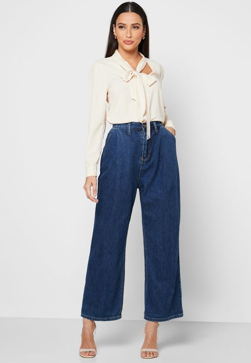 Front Pleated Straight Jeans