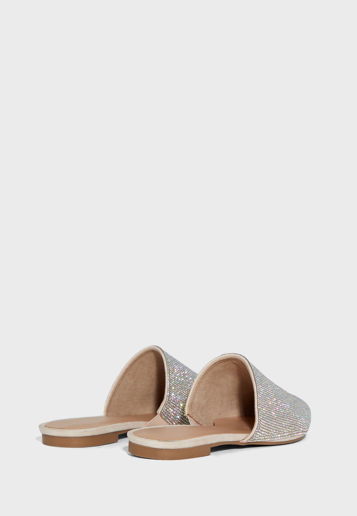 حذاء سهل الارتداء مطبع
