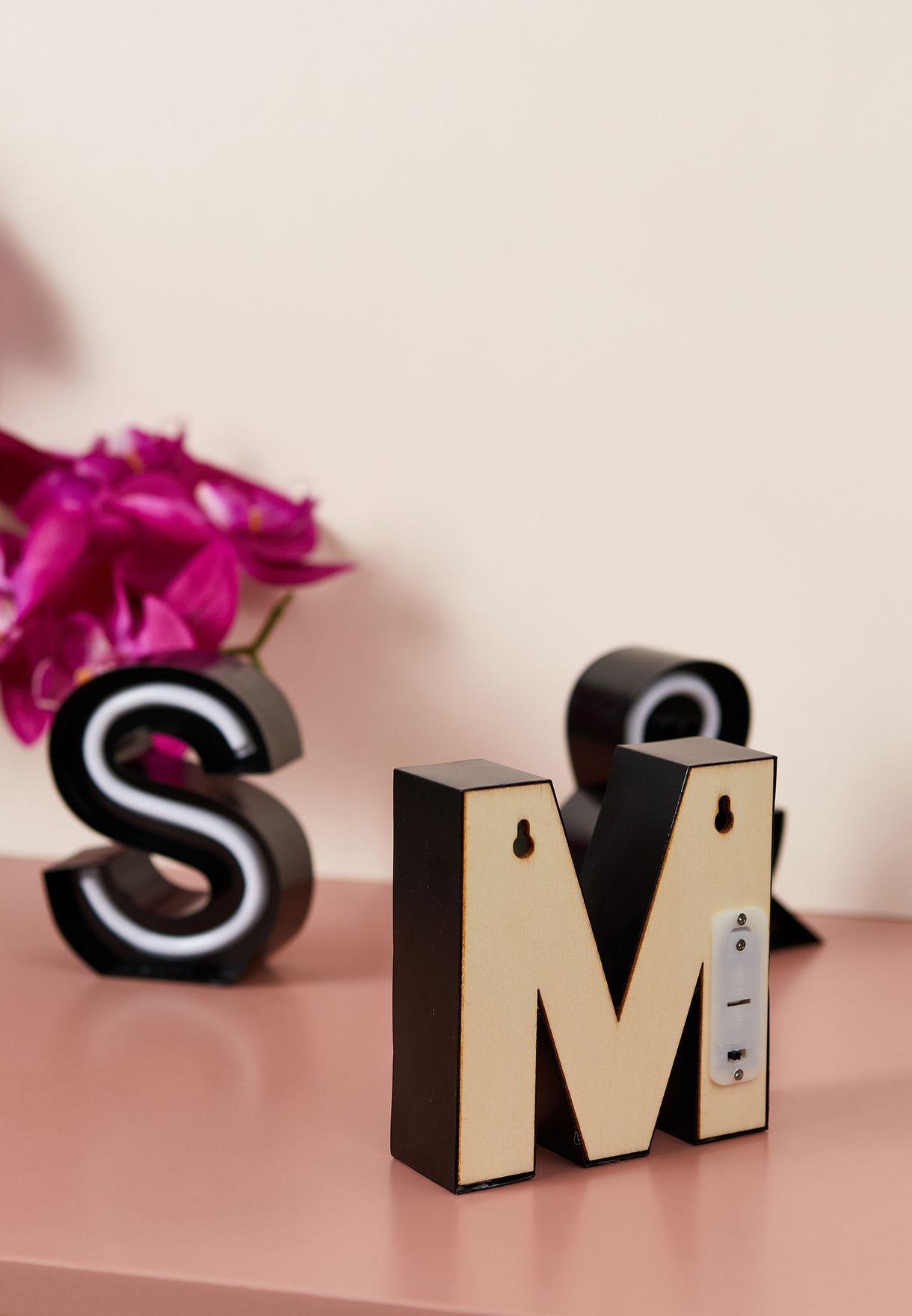 ضوء شكل حرف M