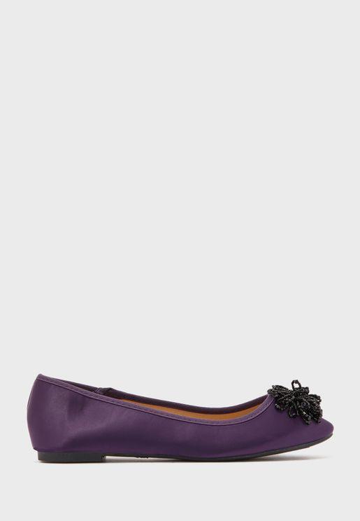 حذاء ساتان بخرز