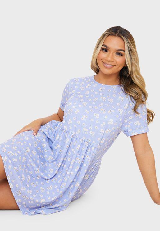 فستان قصير بطبعة ورود