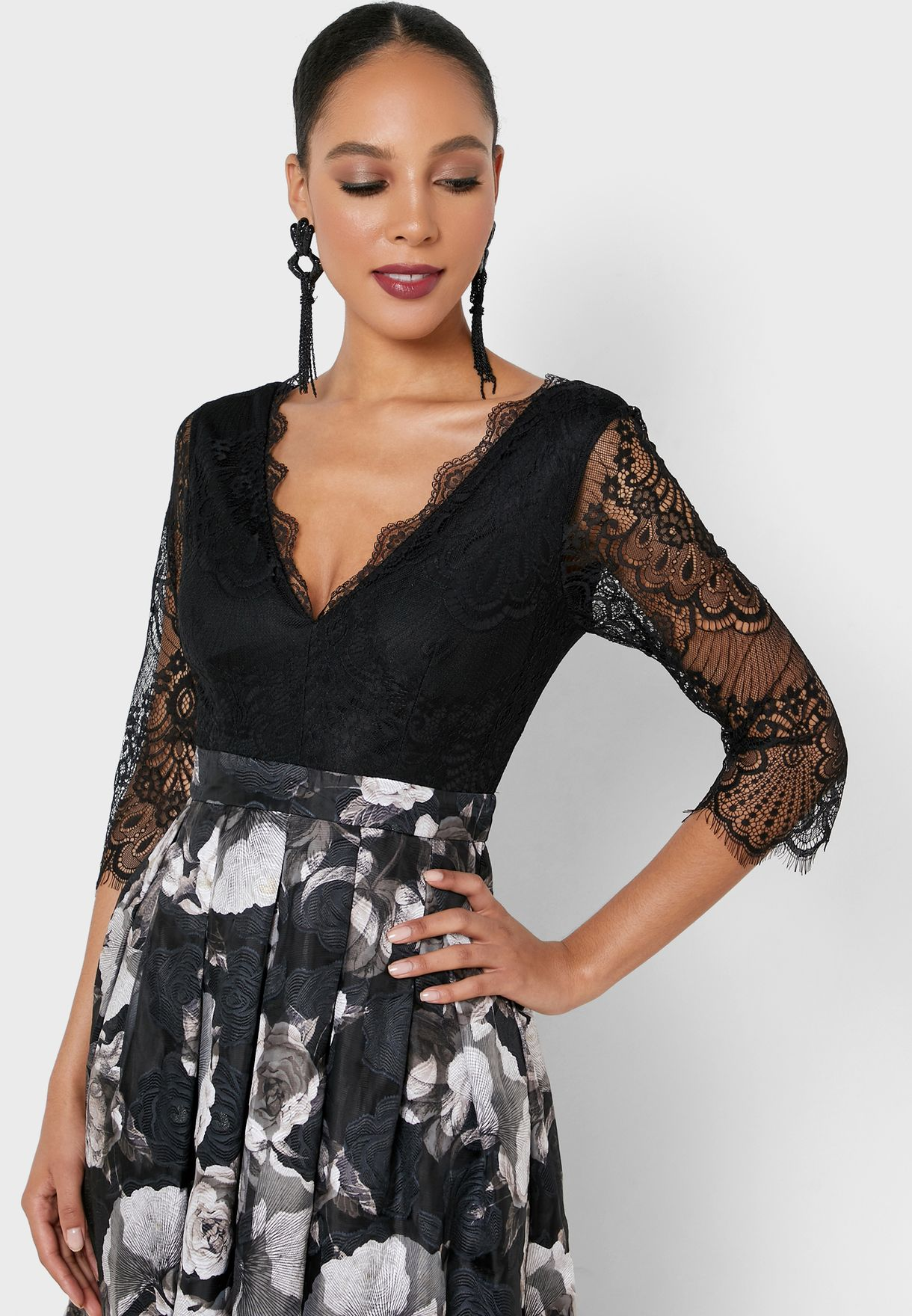 Scallop Detail Lace Sleeve Pleated Dress